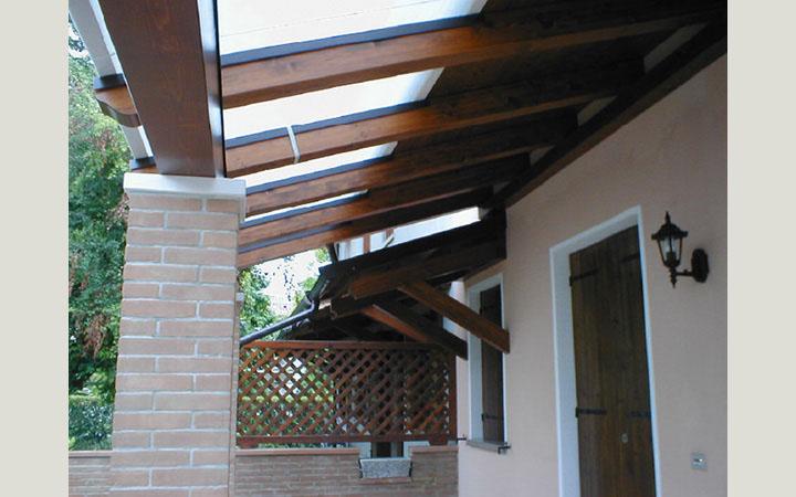 Padova ecco a cosa servono le pensiline in legno prezzi - Tettoie per finestre ...